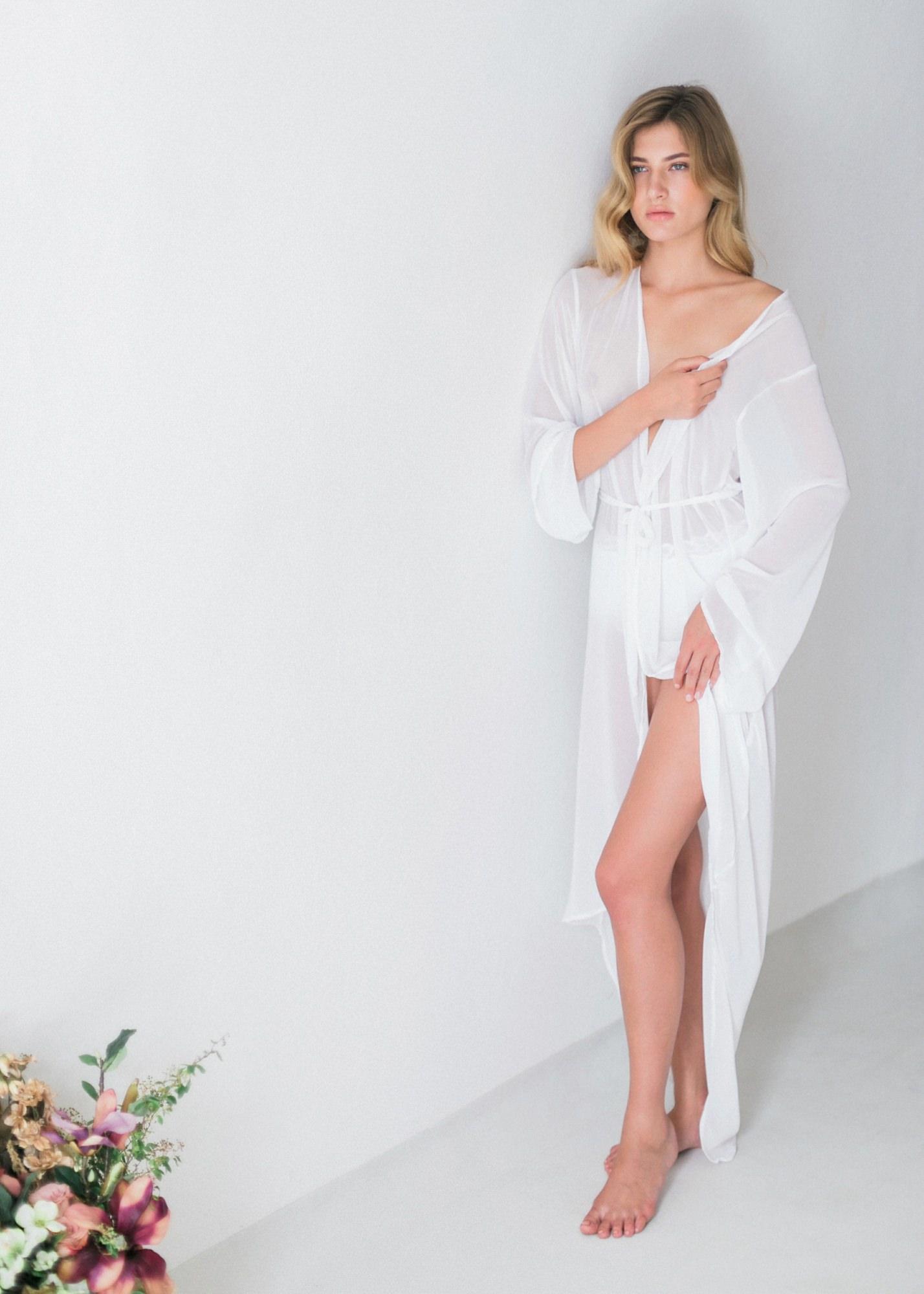 12-boudoir-santorini-wedding-photographer-greece-v