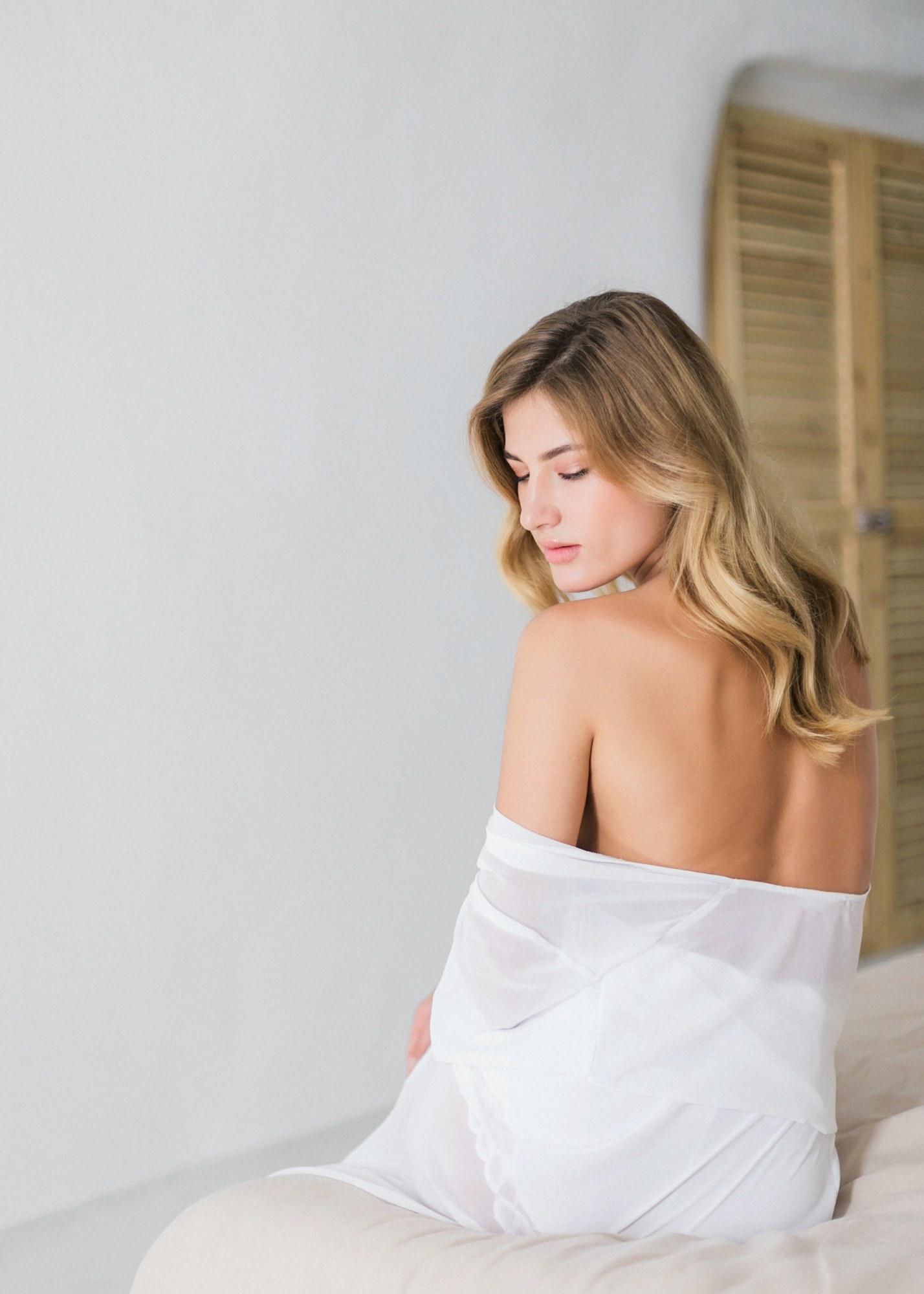 44-boudoir-santorini-wedding-photographer-greece-v