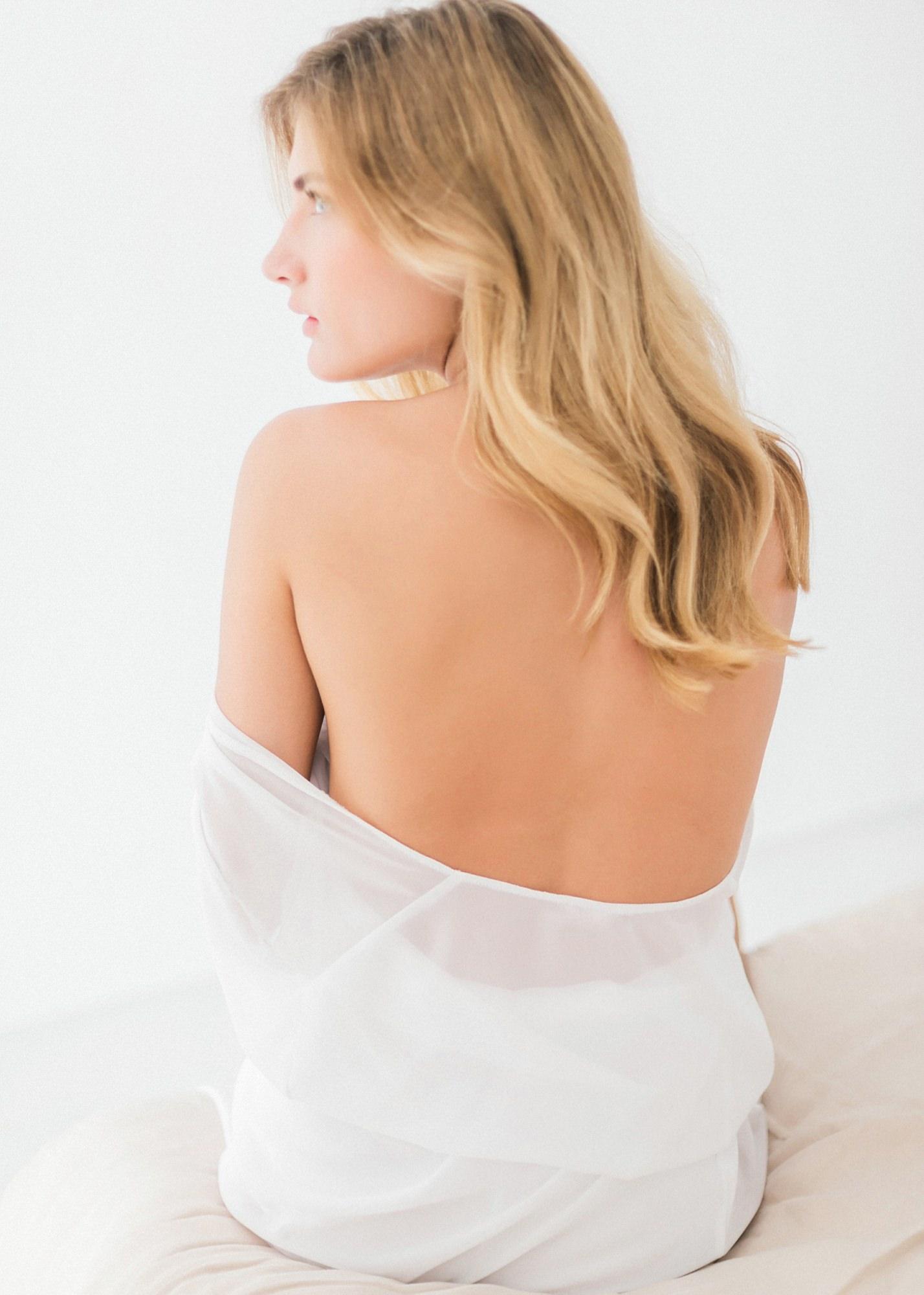 48-boudoir-santorini-wedding-photographer-greece-v