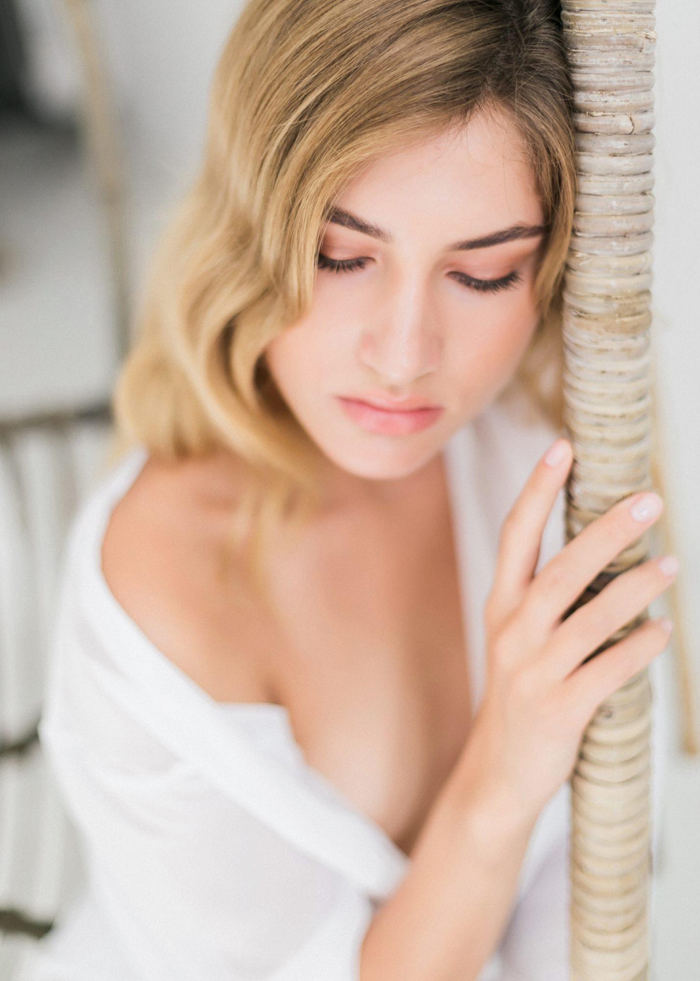 59-boudoir-santorini-wedding-photographer-greece-v