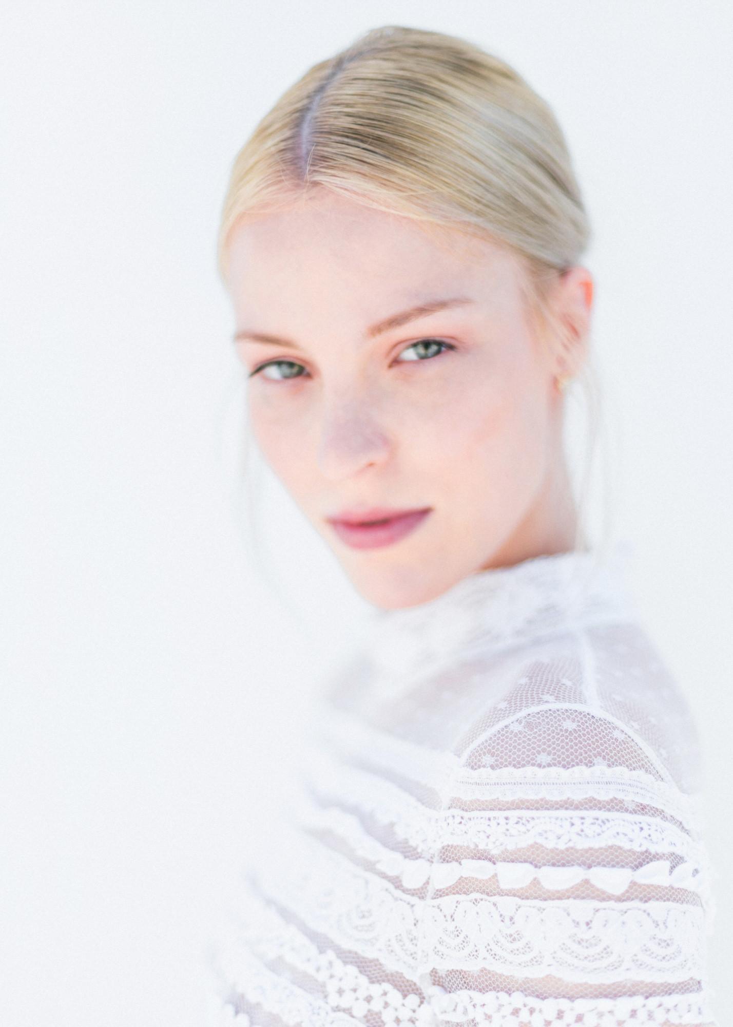 23-portrait-santorini-wedding-photographer-greece-b-v